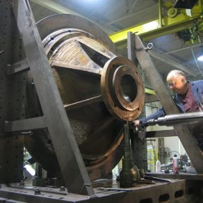 Machining pulverizer