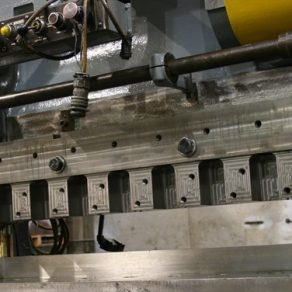 New die set for transfer press